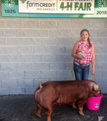 Champion-Duroc-Gilt---2015-St