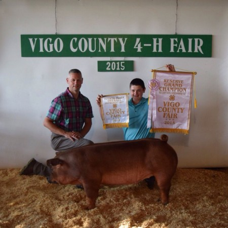 Champion-Market-Gilt--Res.-Champ-Born&Raised-4th-Overall-Mrk-Gilt---In-Mtion---bred-by-Lance-Fagin---Vigo-C